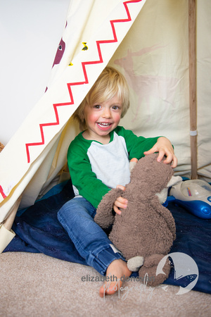 wiltshire little boy playing in his tent at home photo shoot elizabeth donovan photography
