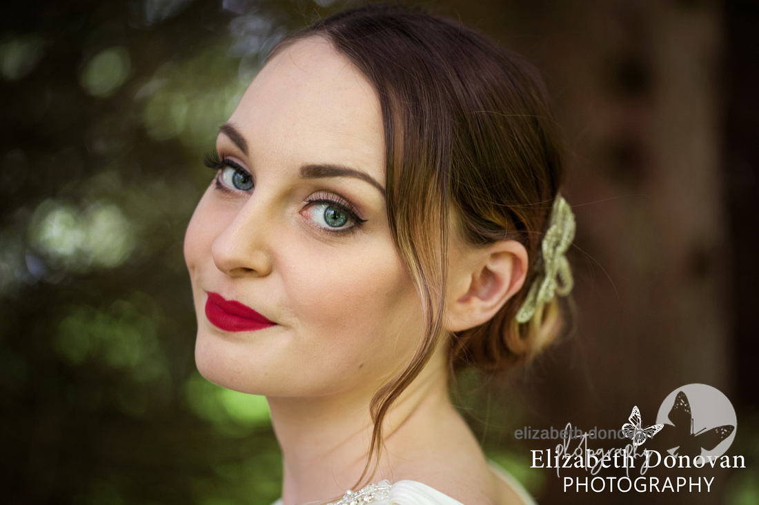 Red lip, classic, classic red lip, bride, bridal, chiseldon house wedding, chiseldon house bride, chiseldon house, elizabeth donovan photography, female wedding photographer, swindon, wiltshire