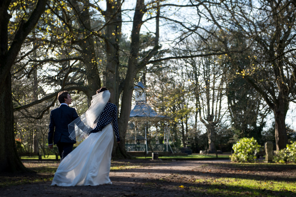 elizabeth donovan photography vogue female wedding photographer swindon wiltshire town gardens old town bride groom