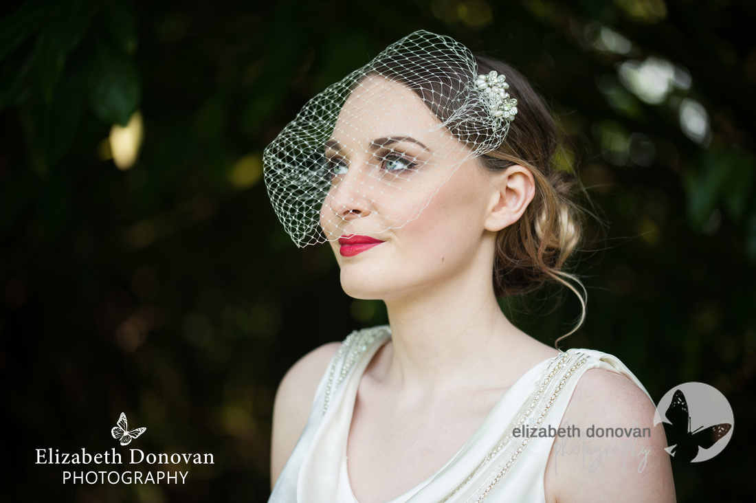 Red lip bride, wedding chiseldon house, chiseldon house, elizabeth donovan photography, female wedding photographer, swindon, wiltshire wedding photographer
